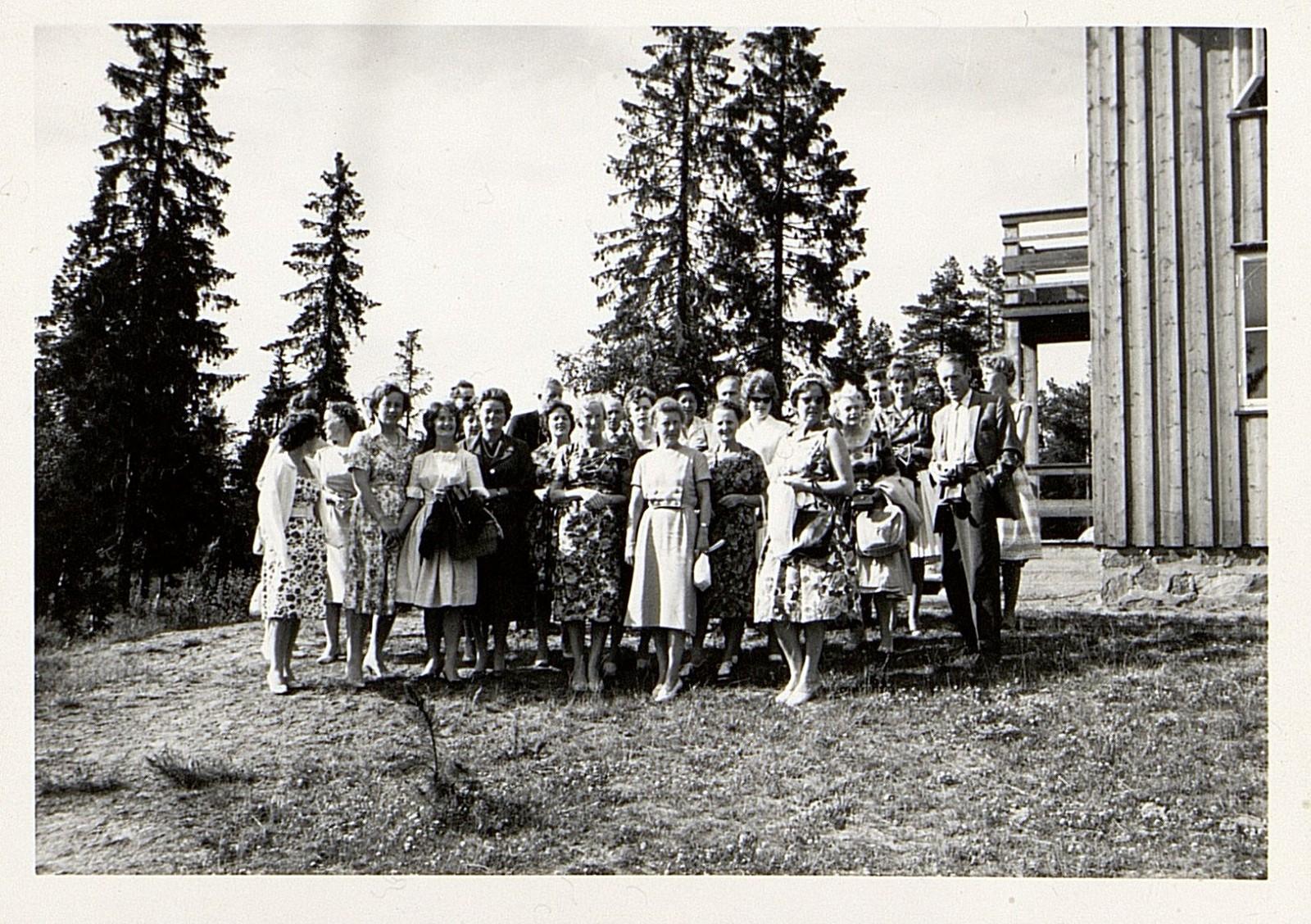 Tur med ansatte til Trondheim, 1965. Fotograf ukjent.
