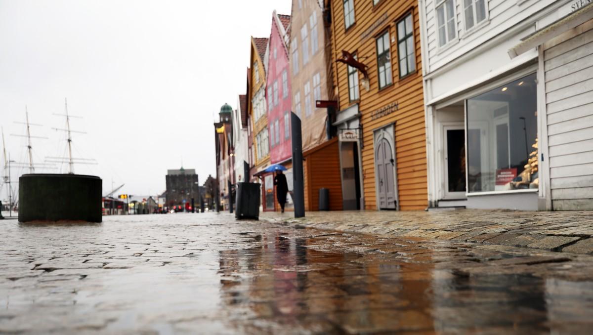 VÅT BY: Bergen har vore langt våtare i år enn i fjor.