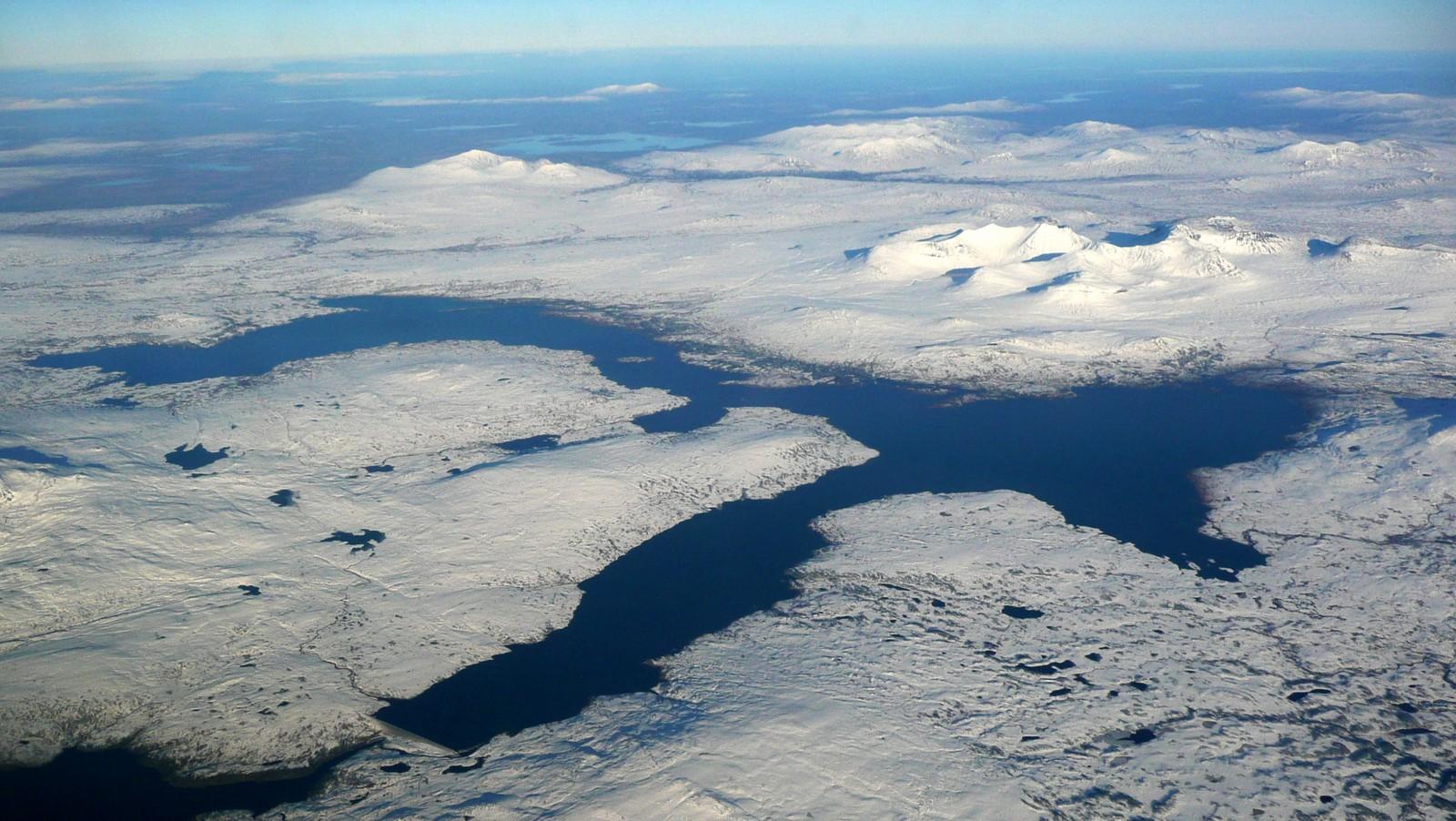 26.02 Essandsjøen/Nesjøen foran Sylanmassivet