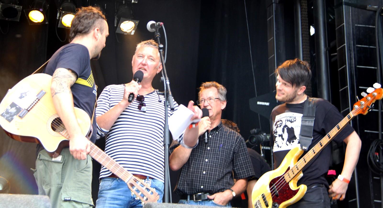 Dubioza Kolektiv med på «Jungelscenen» under Melafestivalen i 2014.