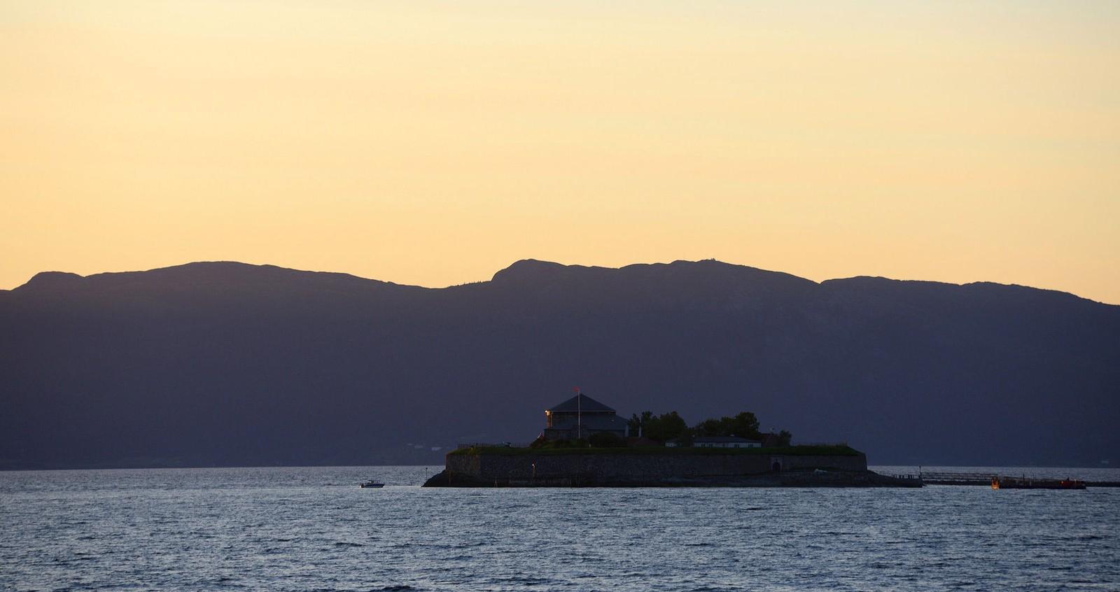 Munkholmen i solnedgang