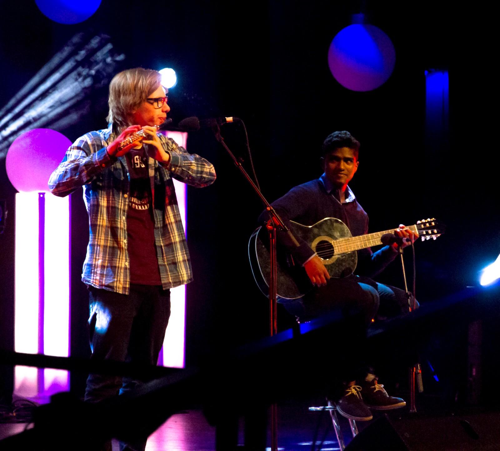 FLORA: James Premraj og Nils Jakob Bakke Nydal - Kiss the rain