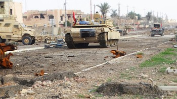 Irakisk stridsvogn i Ramadi
