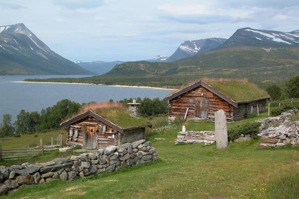 Gjevilvassdalen er av mange betegnet som en av Norges vakreste seterdaler. - Foto: Jonny Remmereit