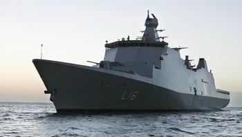 """Flaggskipet i den danske marinen, """"Absalon""""."""