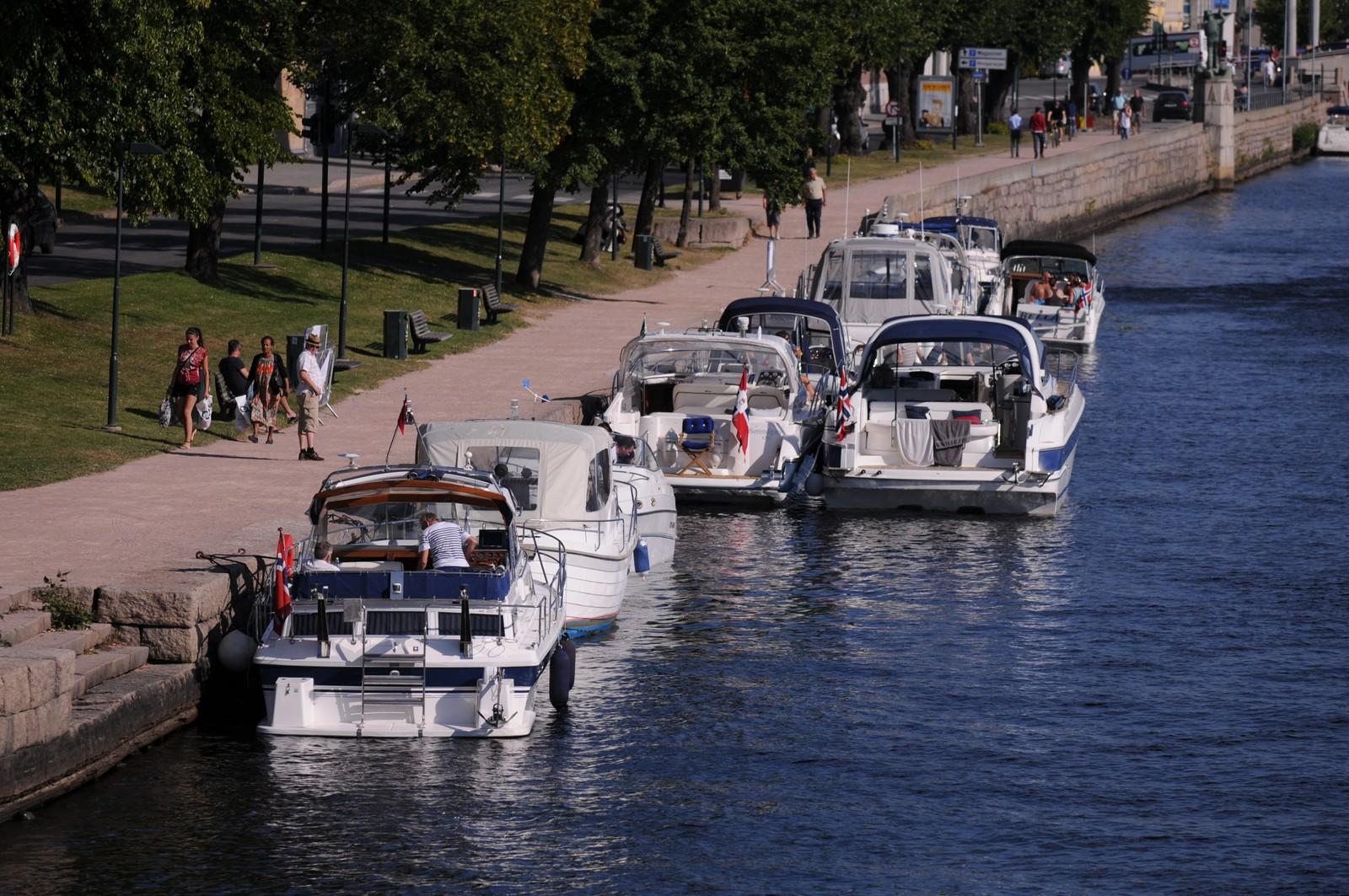Båter langs Ælva
