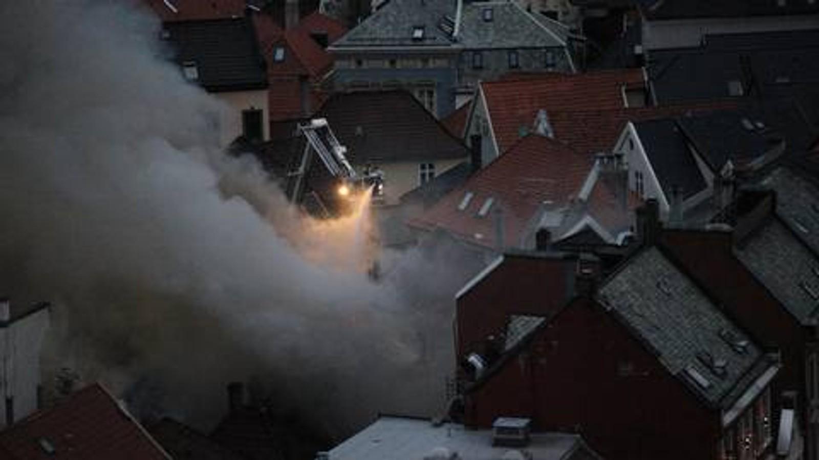 Peder Ottesen Strømme tok dette bildet fra slukkingsarbeidet i 06.30-tiden.