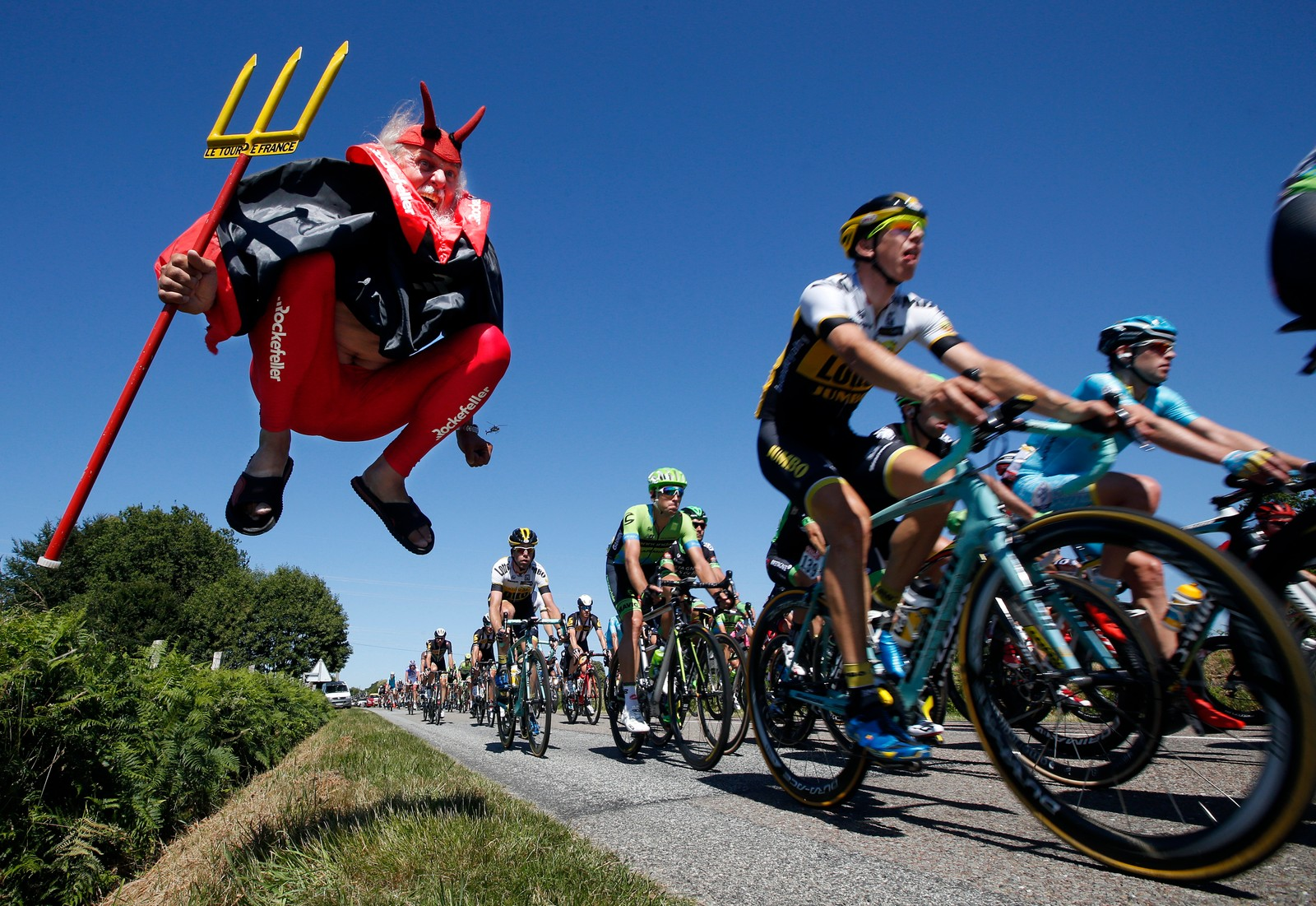 """El Diablo"" er et fast innslag langs løypa under Tour de France."
