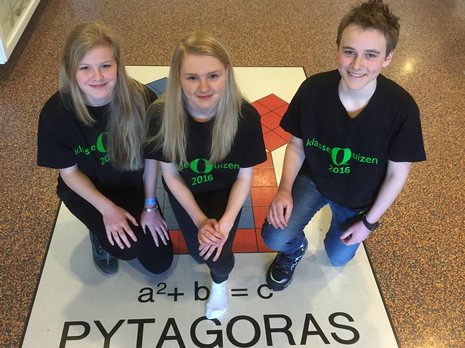 Åshild Føllesdal, Heidi Østmoe og Simen Strand Jensen ved Åretta ungdomsskole fikk seks poeng.