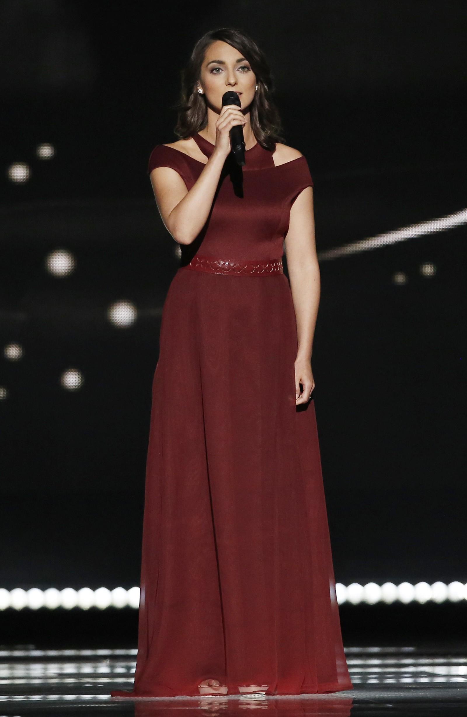 22. UNGARN: Ungarn har 28 år gamle Boggie i finalen. Hun heter egentlig Boglárka Csemer og er en ungarsk singer-songwriter. Låta hennes heter «Wars for Nothing».