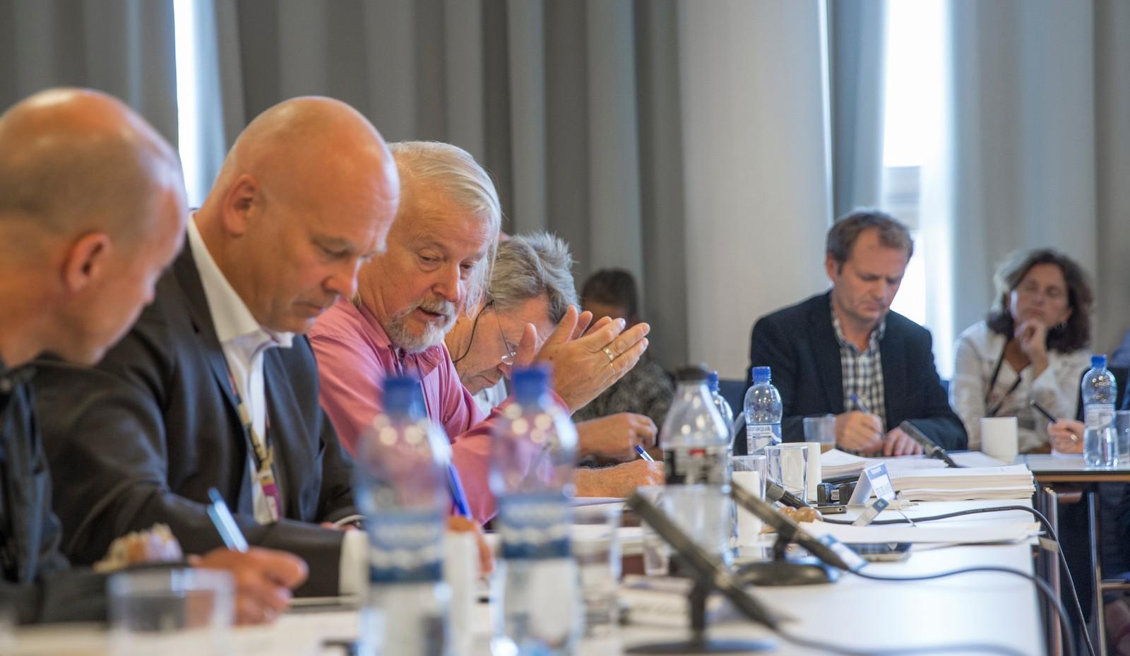 Midtøsten flittig diskutert: rådet i 2014: NRKs dekning av konflikten mellom Israel og palestinerne har rådet har brukt mye tid på opp gjennom årene. Rådets leder Per Edgar Kokkvold fører ordet.