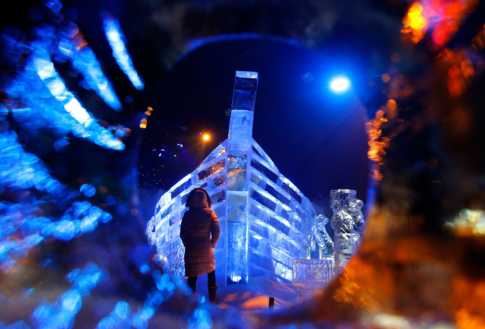 En isskulptur ved en utstilling i London som er kalt Hyde Park Winter Magical Ice Kongdom.