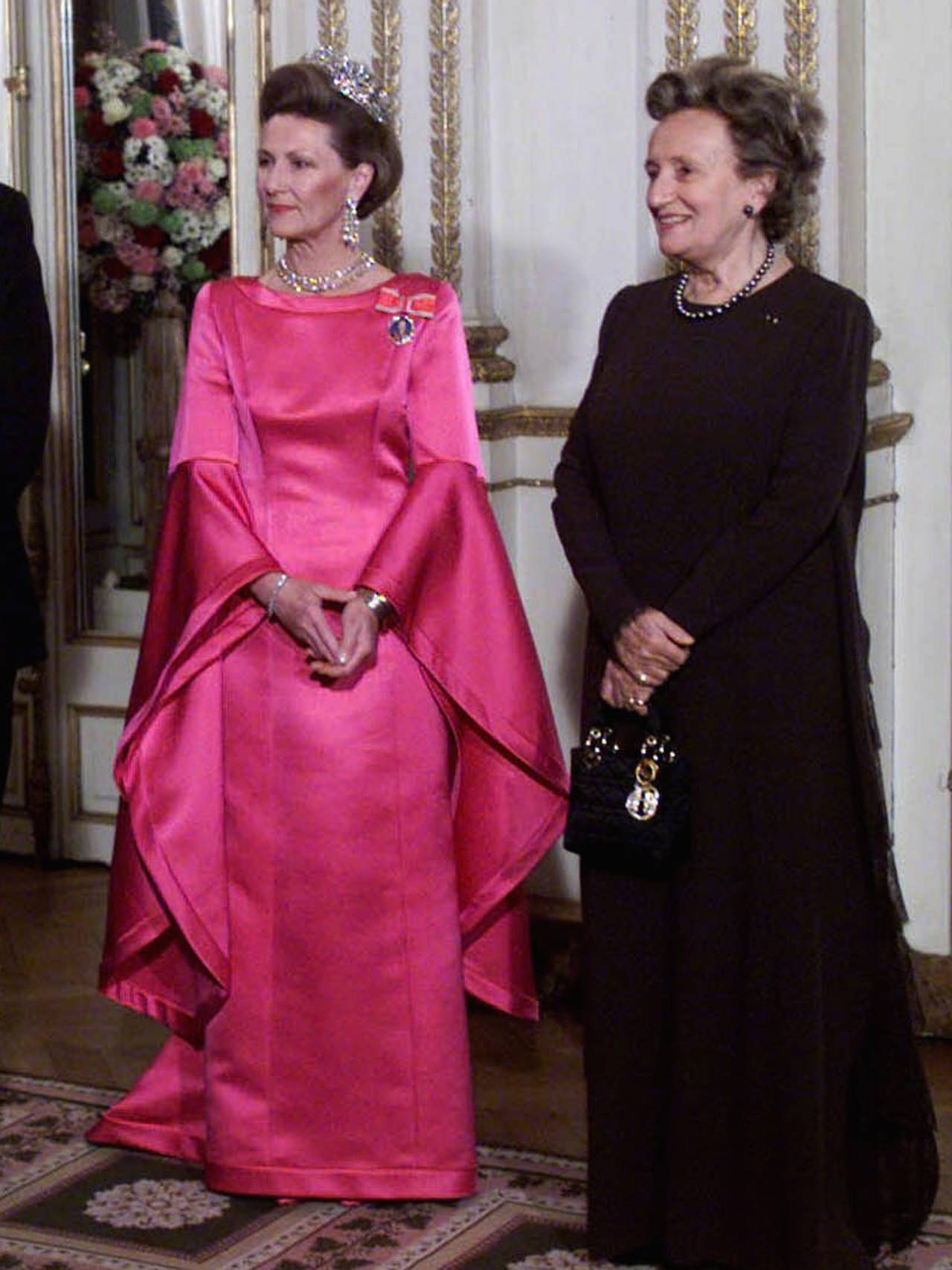 Dronning Sonja i ståkjolen