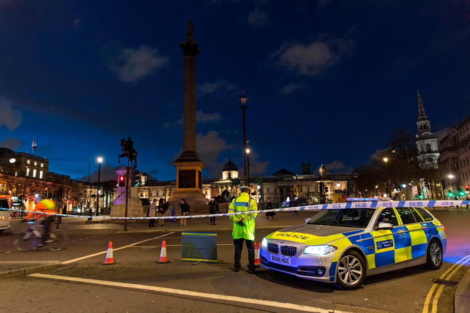 Politiet vokter området rundt Westminster.