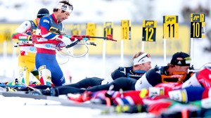 14:00 · VM skiskyting, fellesstart