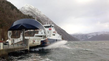 Ferja Lifjord til på Lote
