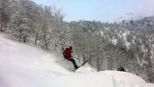 SNØMORO: Store delar av landet tek fri fredag ettermiddag. Dei kommande dagane blir det mange sjansar til å koma seg ut i snøen.