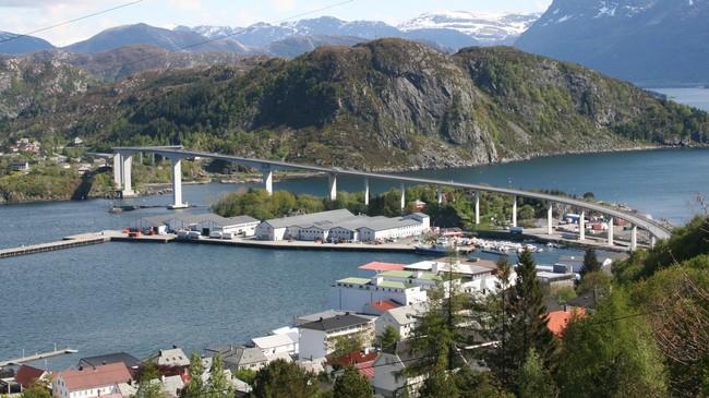 Måløybrua var lengste brua i landet då den vart opna i 1974. Foto: Ottar Starheim, NRK.
