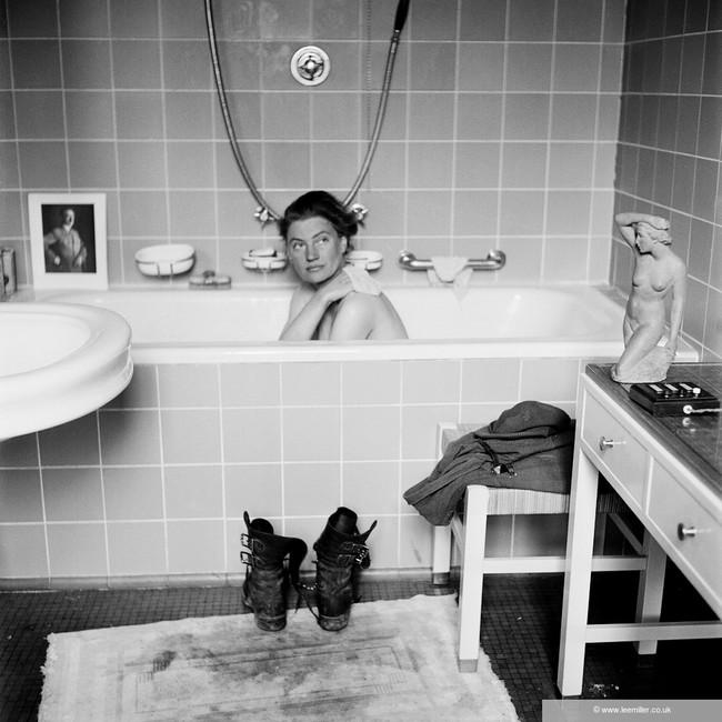 Lee Miller i Hitlers badekar.