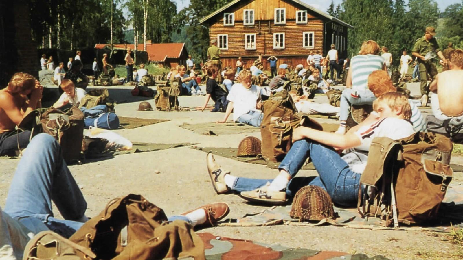 Hvalsmoen sommeren 1985 da de vernepliktige i troppen påbegynte sin tjeneste.