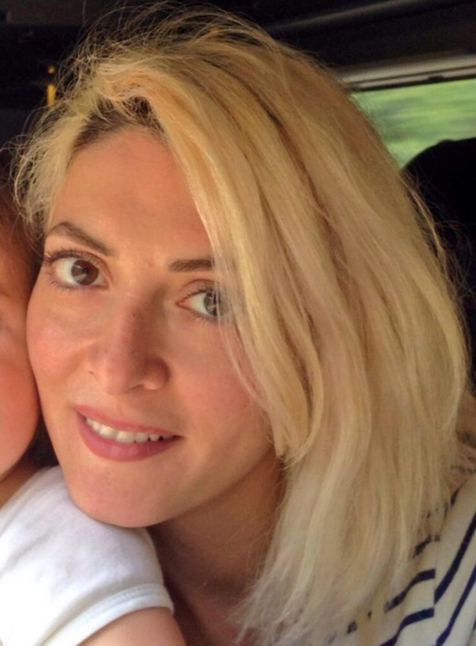DREPT: Hélène Muyal Muyal (35) jobbet som sminkør og frisør i Paris. På Bataclan ble hun skutt og drept. Hélène etterlater seg en sønn på 17 måneder.