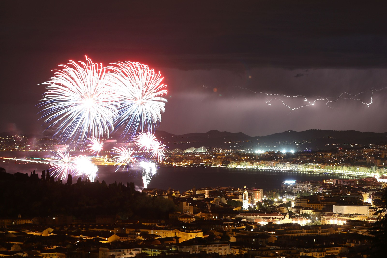 Festfyrverkeriet over Nice 14. juli 2016.