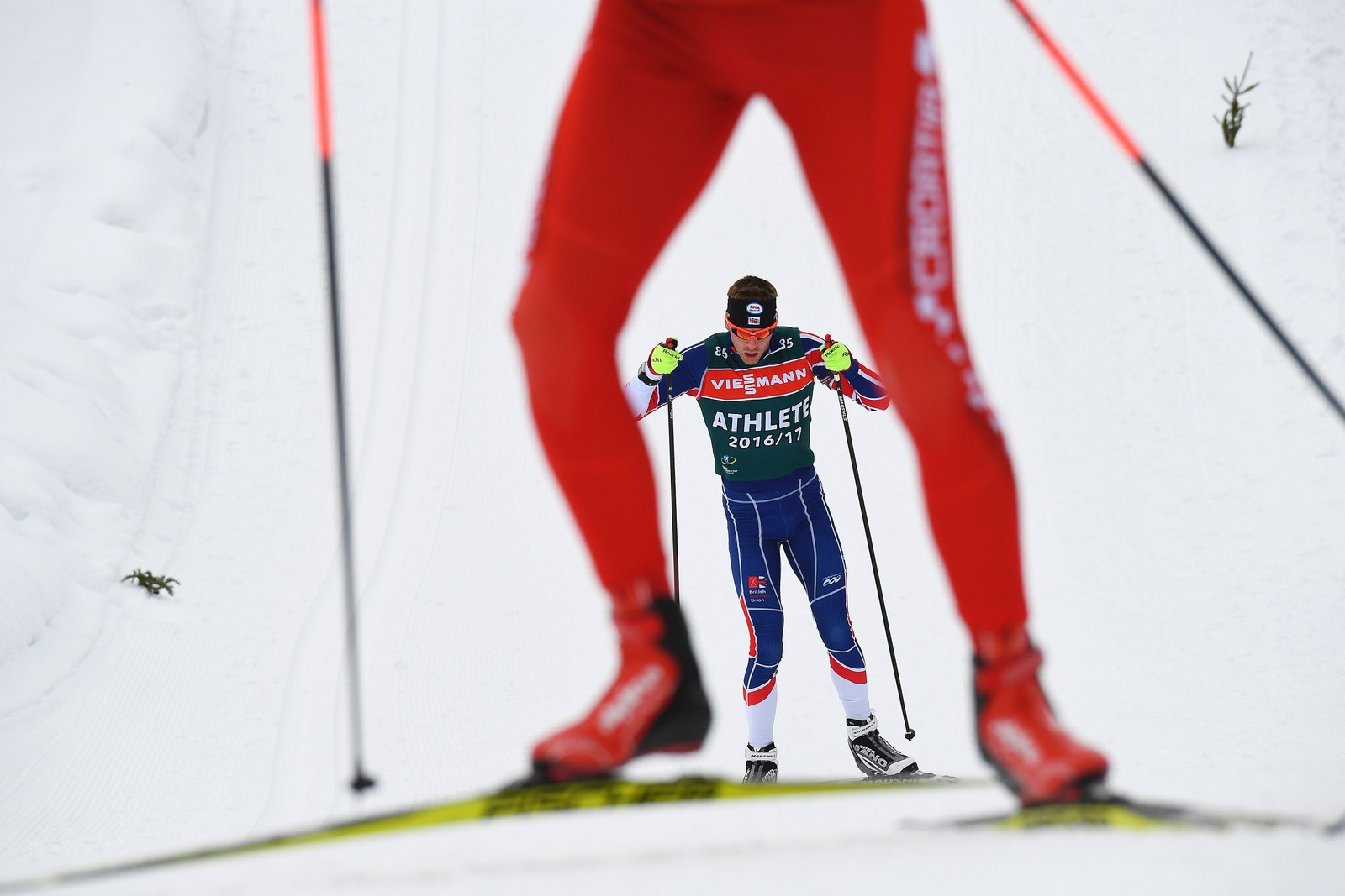 Britiske Scott Dixon trener i Hochfilzen i Østerrike.
