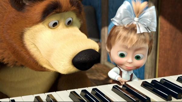 Masha får pianotimer