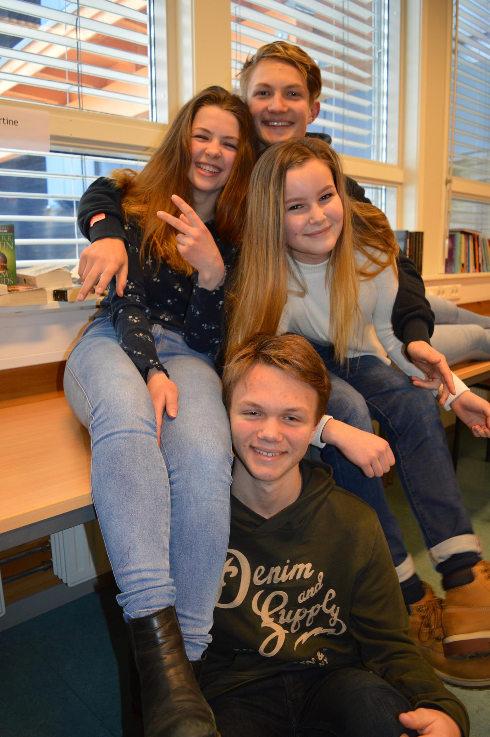 Eskil Bakken (vara), Gina Bråstad, Lone Bakken og Arnfinn Hagen fra Ringebu ungdomsskole