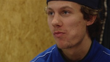 21 år gamle Sondre Olden fra Vålerenga, var den største overraskelsen da ishockey-troppen til OL i Sotsji ble tatt ut i dag. Han regnes som et av de største norske hockeytalentene noensinne. Reporter: Rita Morvik, foto: George Eustice, redigering: Jørgen Figenschou