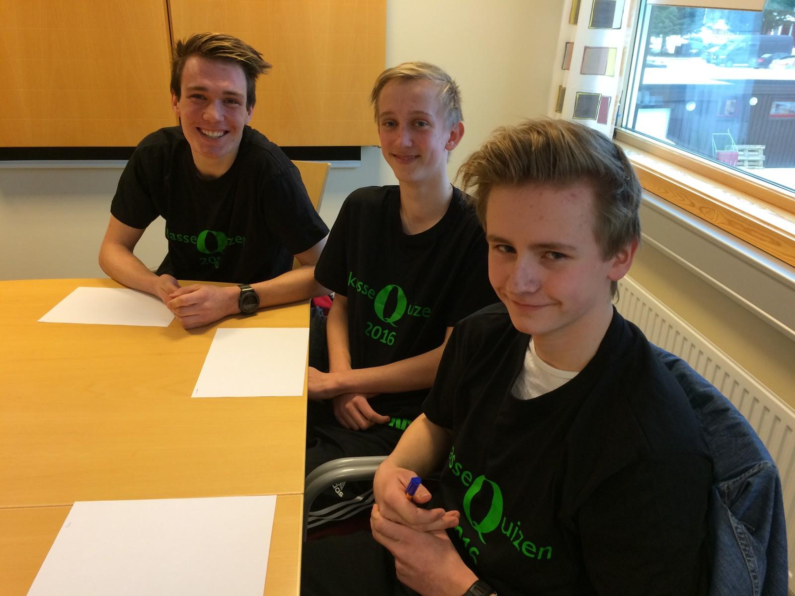 Jon Magnus Røsbjørgen, Øyvind Mellingen og Bjørn Vestermo Reitan fra Lundamo ungdomsskole.