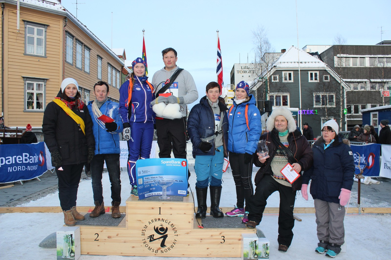 SVL-Norge arrangerte NM i lassokasting på Samefolkets dag. Her ser dere pallen fra dagens konkurranse.