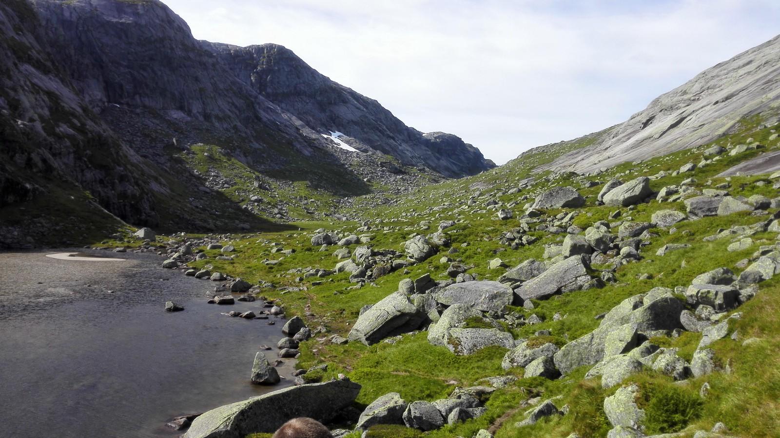 Stedet sauene ble funnet ligger rett ved turistmagneten Kjeragbolten.