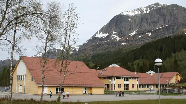 Bygstad skule. Foto: Ottar Starheim, NRK.