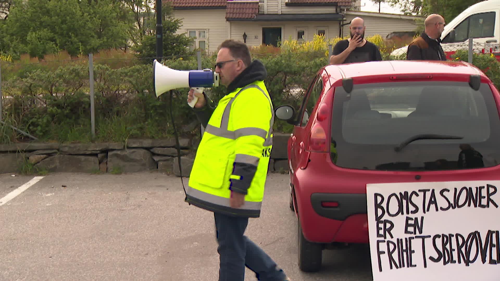 Demonstrerte for bompengar: Då blei det bråk