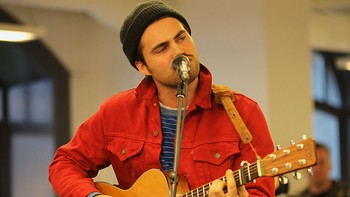 Kontorkonsert med Mikhael Paskalev hos Wimp i Oslo, 5. februar 2013.