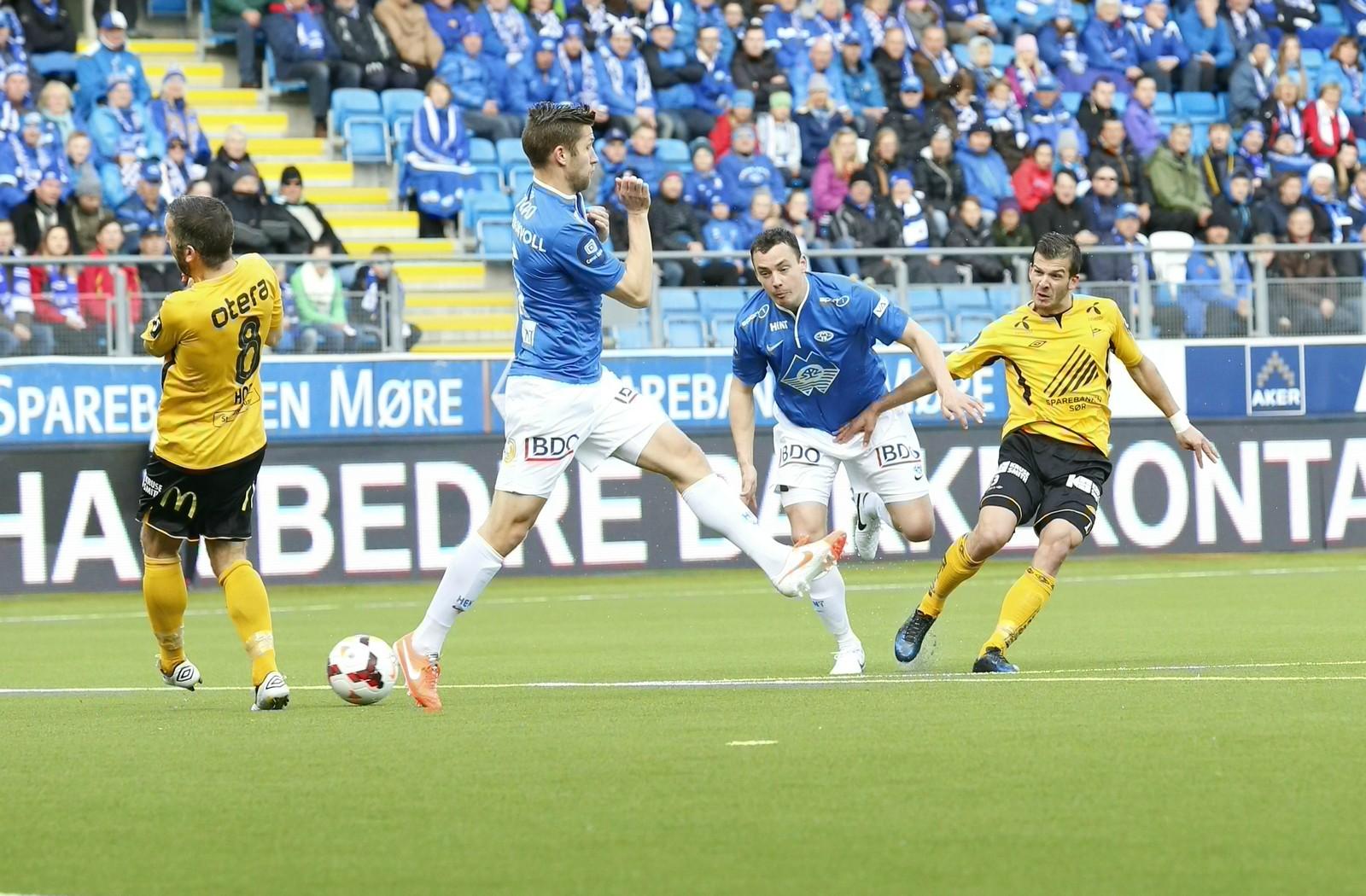Tripic i duell med gamle lagkameratar i Molde på Aker stadion.