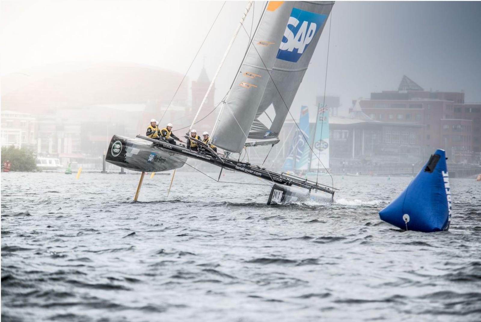 SAP Extreme Sailing team, der Køstner en av met mannskap på fem.