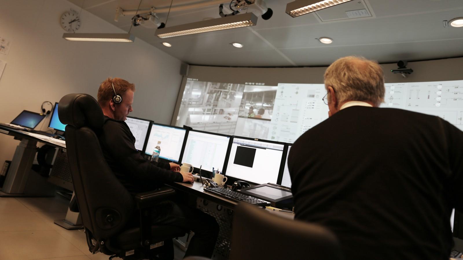 På plattformen fins eit stort og oversiktleg kontrollrom. Eit tilsvarande vil bli bygd på Statoil sitt kontorbygg på Sandsli i Bergen, der heile plattformen blir fjernstyrt frå 2017.