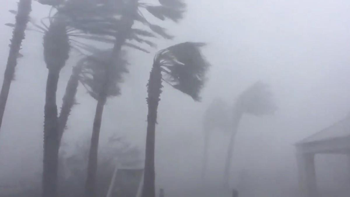 FLEIRE OG KRAFTIGARE: Ein må førebu seg på fleire stormar, orkanar og kraftig nedbør ifølgje ny rapport frå Nasa.