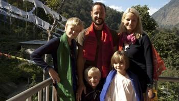 Video Kronprinsfamilien i India