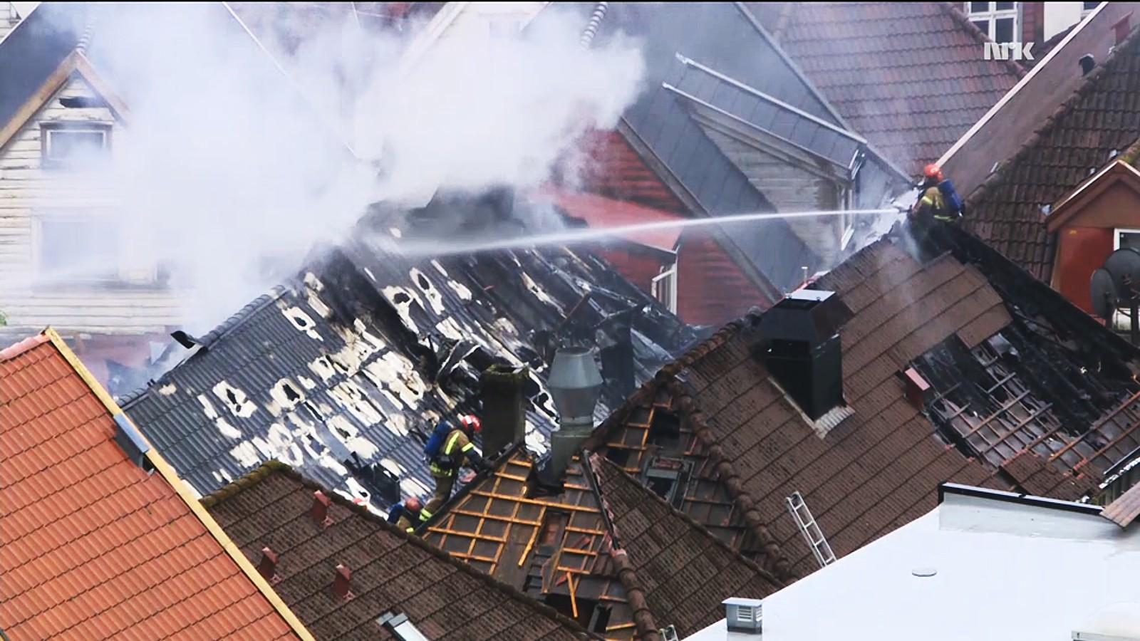 Cirka klokken 07.20 var brannen under kontroll, meldte brannvesenet.
