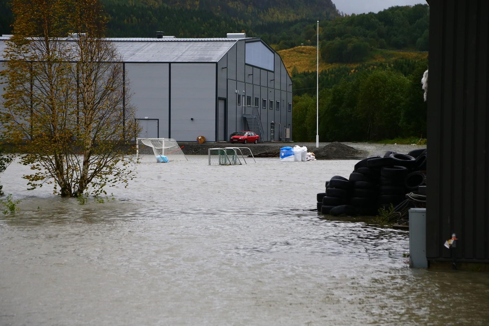 Vuku i Verdal under vann