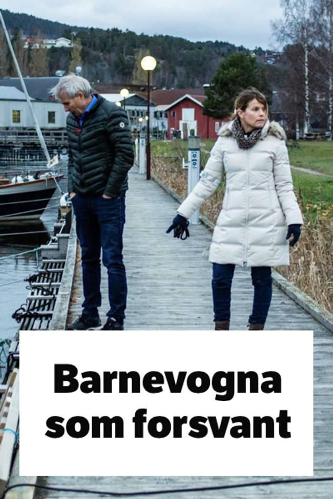 Mann og dame står på brygge og ser ut i vannet