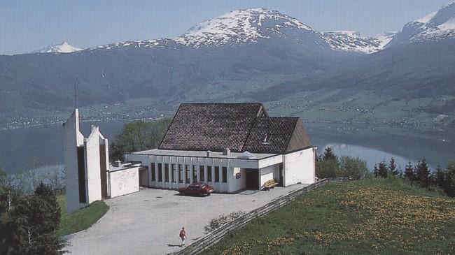 Nordsida kyrkje. Foto: Olav Jakob Tveit.