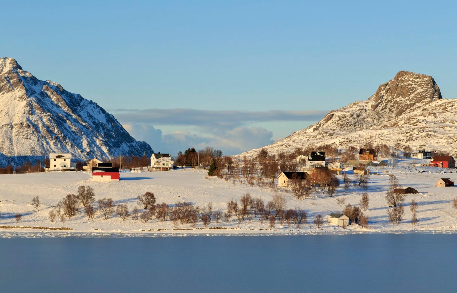 I Rise i Bø er det sol og blå himmel.