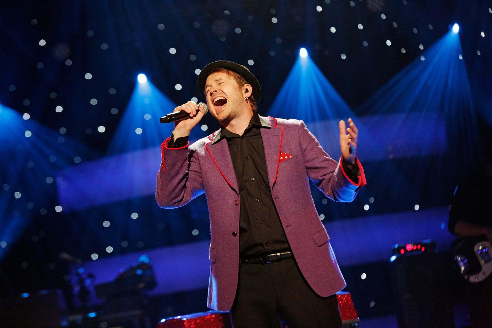 Knut Anders Sørum valgte også Stevie Wonder i kveld - sitt aller største idol.