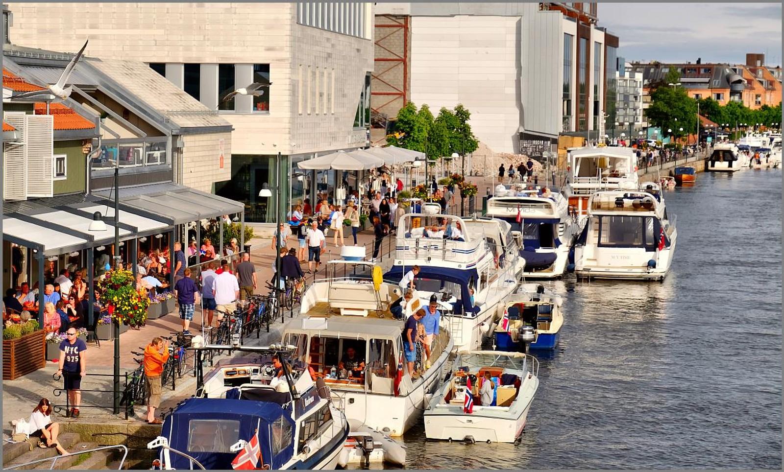 Brygga og sommer, trivsel og moro, kjent for folk i Fredrikstad. Og tydeligvis for andre også?
