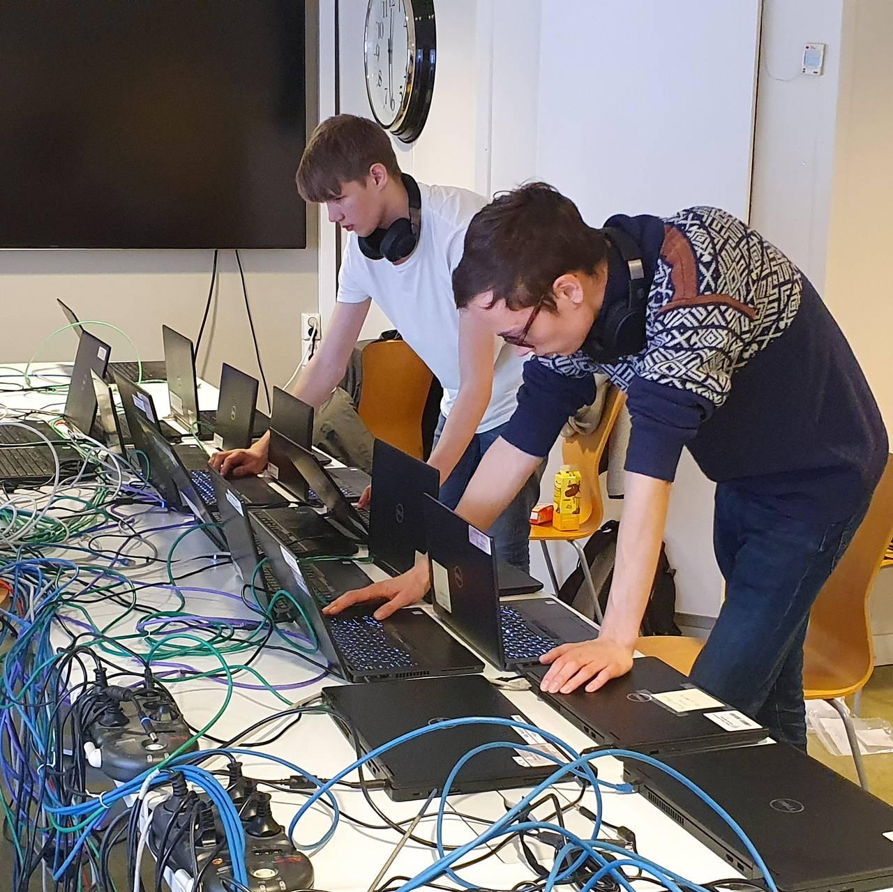 Hacking Østre Toten, gjenoppretting av maskiner