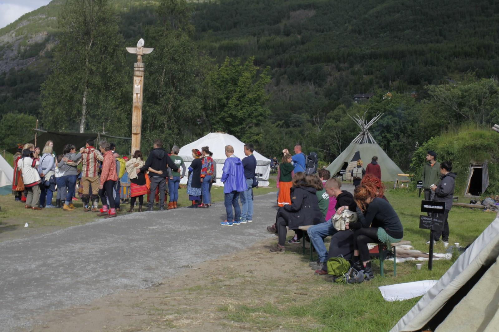 Det foregår mange ulike aktiviteter på Riddu Siida igjennom hele festivalen.